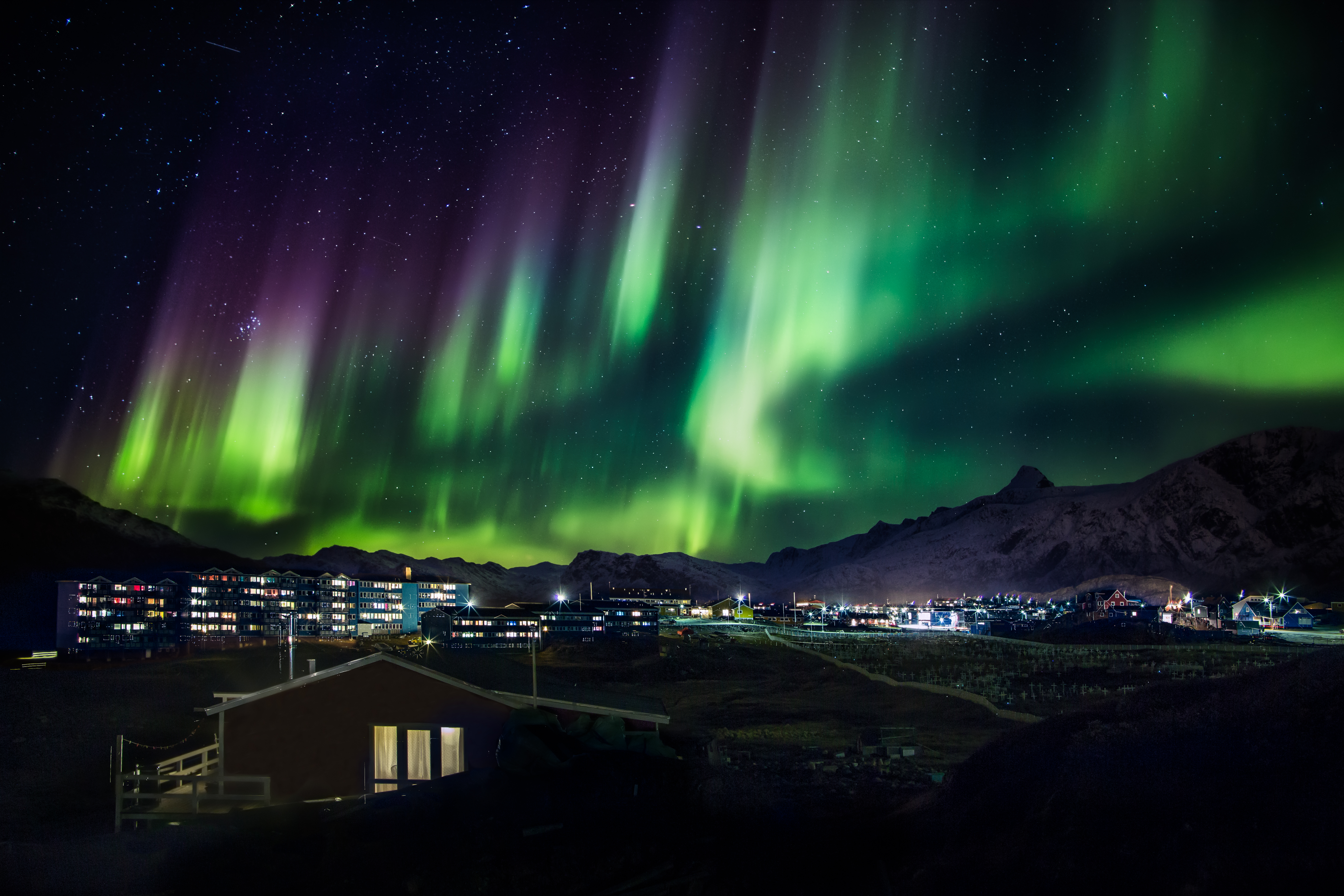Wednesday Wanderlust | The Best Places to See the Northern Lights - Greenland | www.paisleyandfig.com